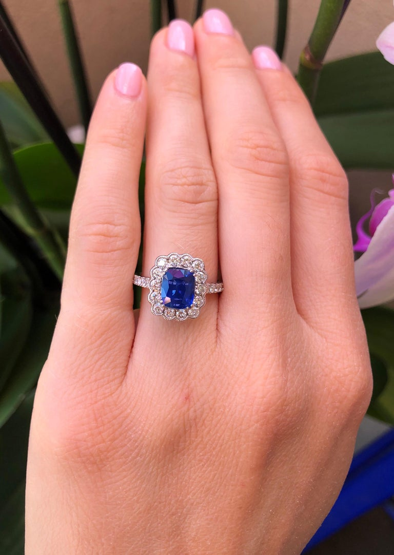 Sapphire Ring Cushion Cut 2.20 Carats In New Condition For Sale In Beverly Hills, CA