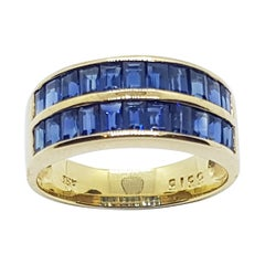 Blue Sapphire Ring Set in 18 Karat Gold Settings