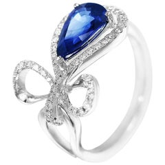 Blue Sapphire White Diamond White 18 Karat Gold Modern Every Day Precious Ring