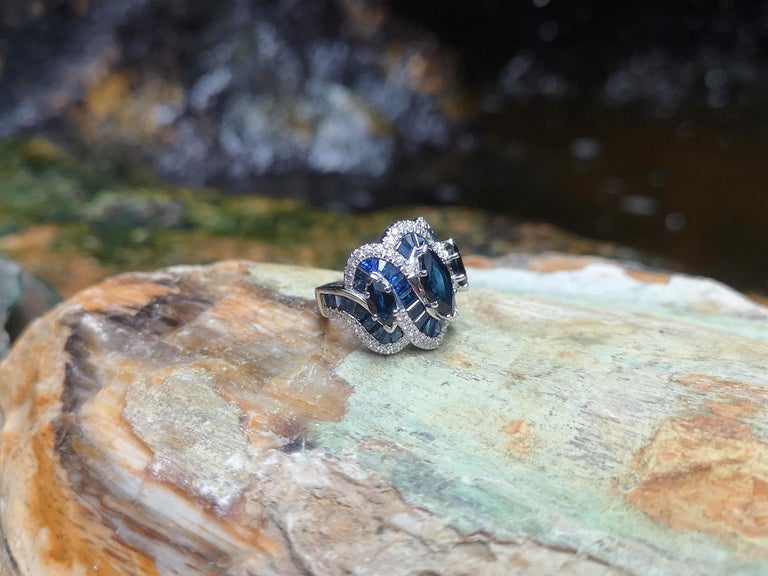 Blue Sapphire with Diamond Ring Set in 18 Karat White Gold Settings For Sale 9
