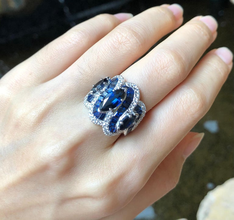 Blue Sapphire with Diamond Ring Set in 18 Karat White Gold Settings For Sale 1