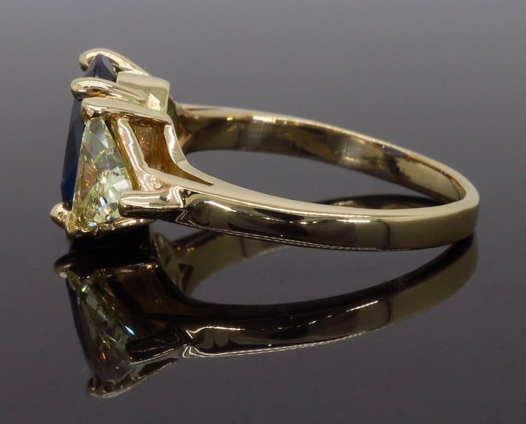 Women's or Men's Blue Sapphire and Yellow Diamond Three-Stone Ring For Sale