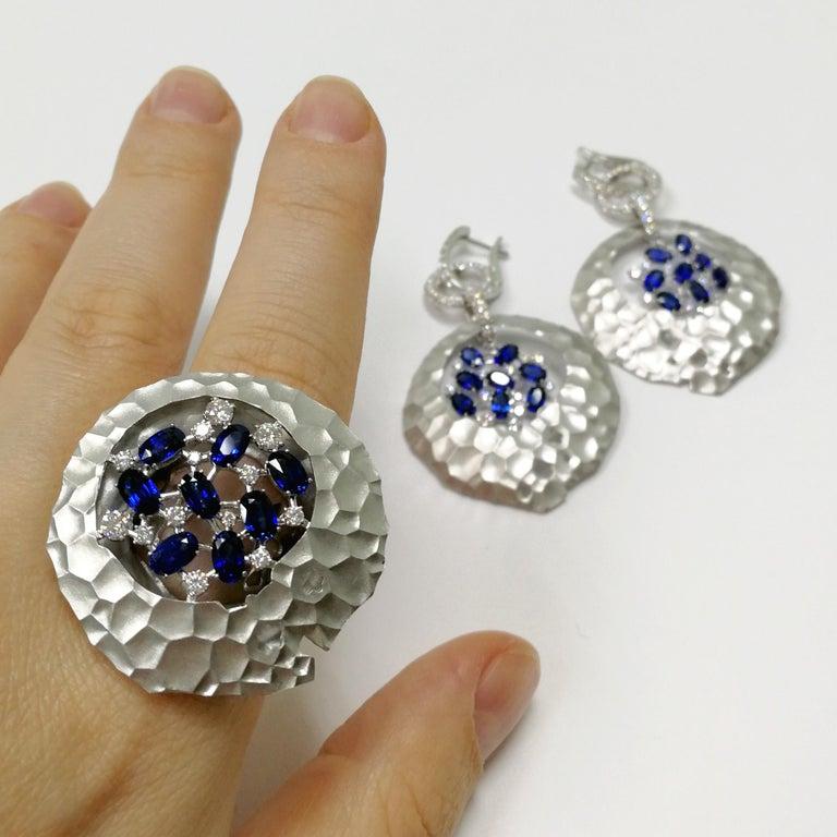 Blue Sapphires Diamonds 18 Karat White Gold Big Oasis Ring For Sale 5