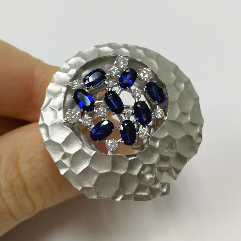 Contemporary Blue Sapphires Diamonds 18 Karat White Gold Big Oasis Ring For Sale