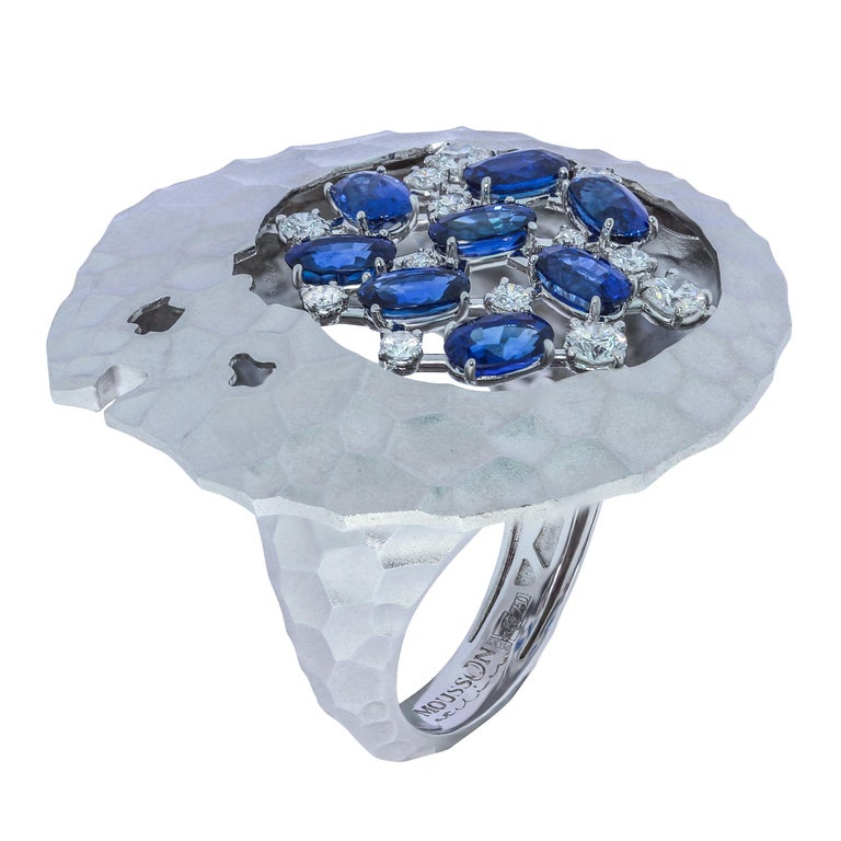 Contemporary Blue Sapphires Diamonds 18 Karat White Gold Big Oasis Suite For Sale