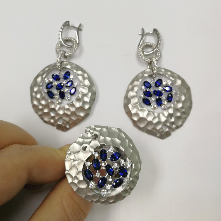 Blue Sapphires Diamonds 18 Karat White Gold Big Oasis Suite For Sale 3