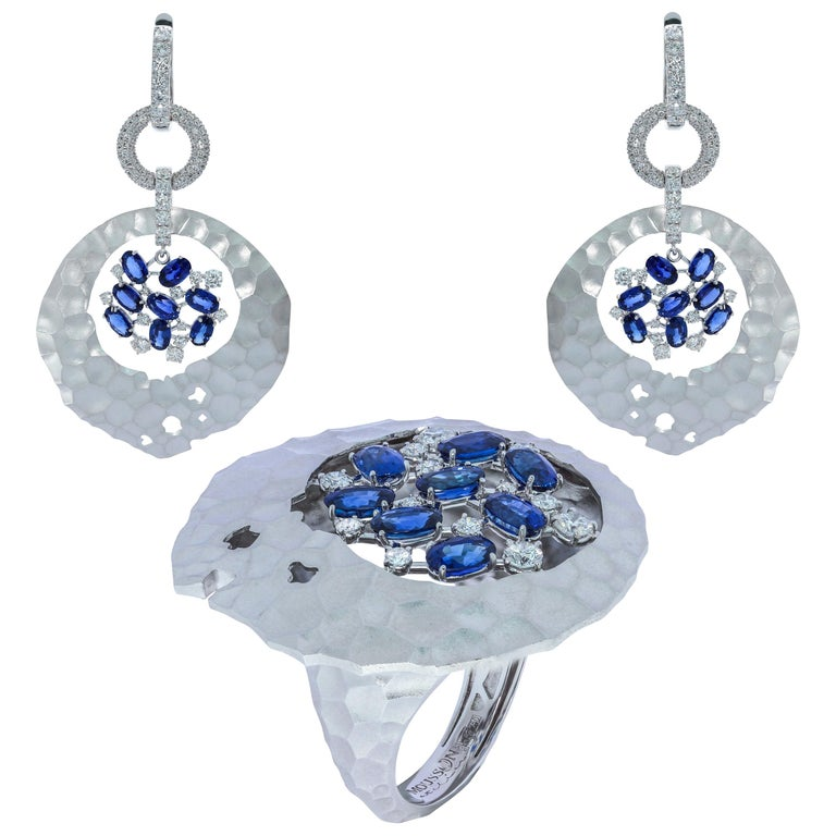 Blue Sapphires Diamonds 18 Karat White Gold Big Oasis Suite For Sale