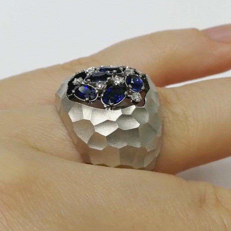 Blue Sapphires Diamonds 18 Karat White Gold Small Oasis Ring For Sale 2