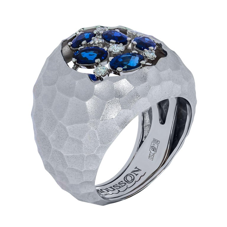 Blue Sapphires Diamonds 18 Karat White Gold Small Oasis Ring For Sale