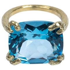 Gabrielle Sanchez Blue Topaz 18 Karat Textured Split Shank Cocktail Ring