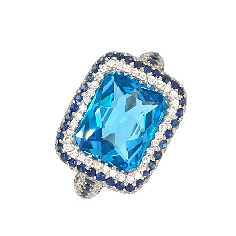 Blue Topaz and Blue Sapphire with Diamonds on White Gold 18 Karat Cocktail Ring In New Condition For Sale In Vannes, FR