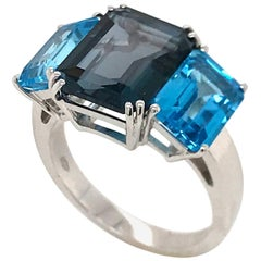 Blue Topaz and London Topaz on White Gold 18 Karat Fashion Ring