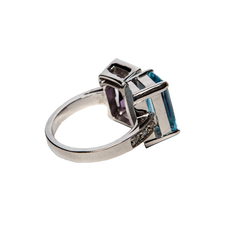 Contemporary Blue Topaz and Purple Amethyst White Gold 18 Karat Ring with White Diamonds For Sale