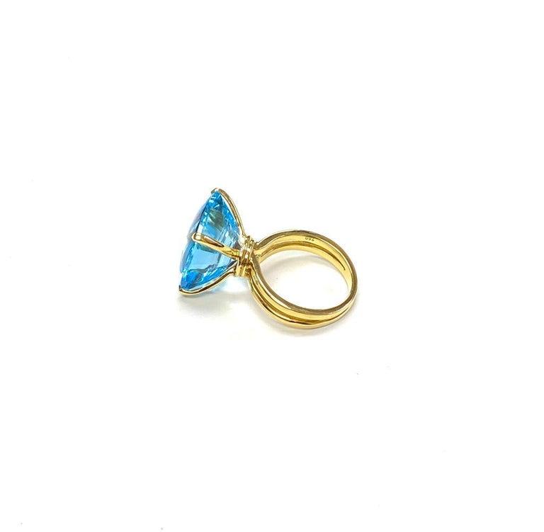 Goshwara Cushion Blue Topaz Ring For Sale 1