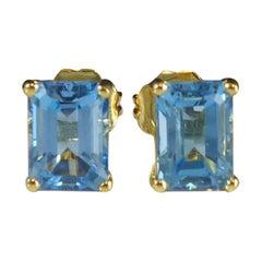 Blue Topaz Stud Earrings in Yellow Gold