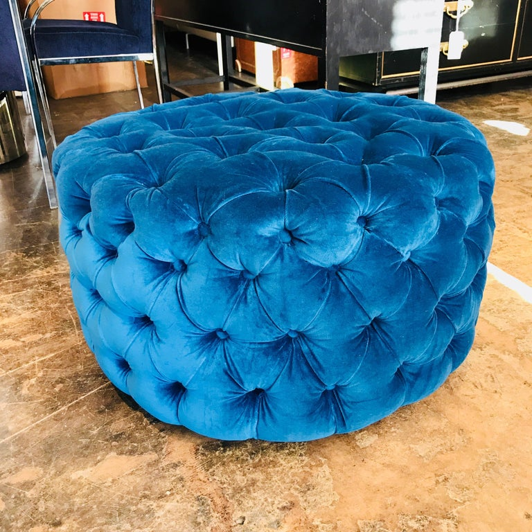Blue Tufted Velvet Round Ottoman, Custom In Excellent Condition For Sale In Dallas, TX