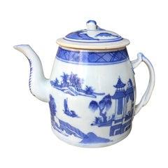 Blue and White Canton Ware Porcelain Tea Pot, circa 1820