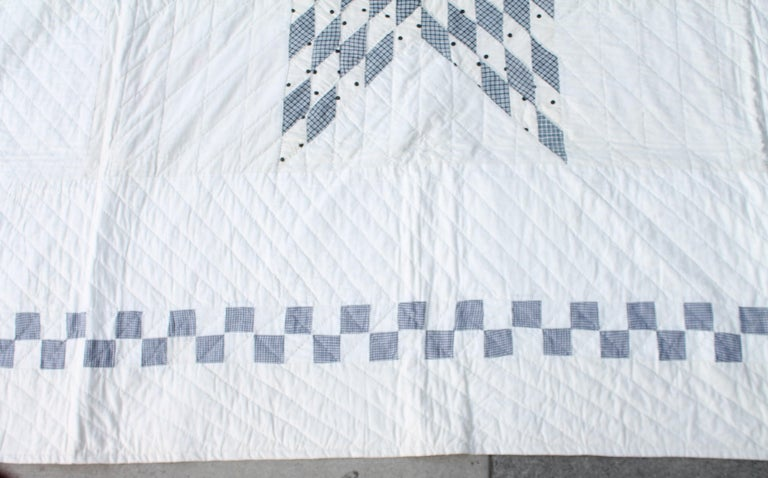 American Blue and White Eight Point Star Quilt For Sale