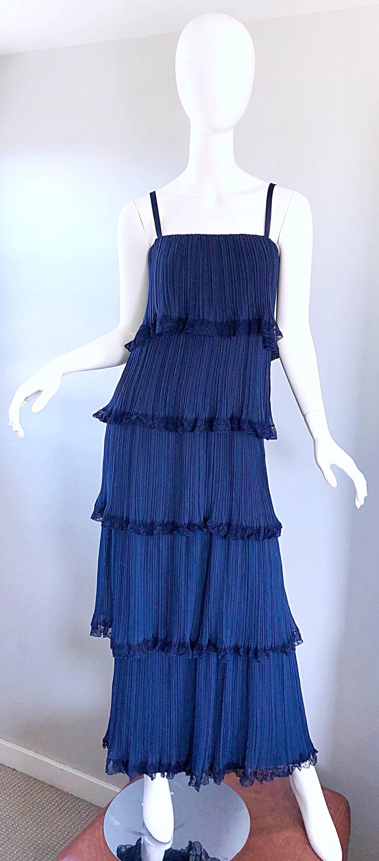 Chic late 1960s BOB BUGNARD COUTURE navy blue silk chiffon accordian pleated tiered full length evening gown / maxi dress! Features intricate accordian pleated chiffon tiers. Navy blue lace trim. Full metal zipper up the back with hook-and-eye