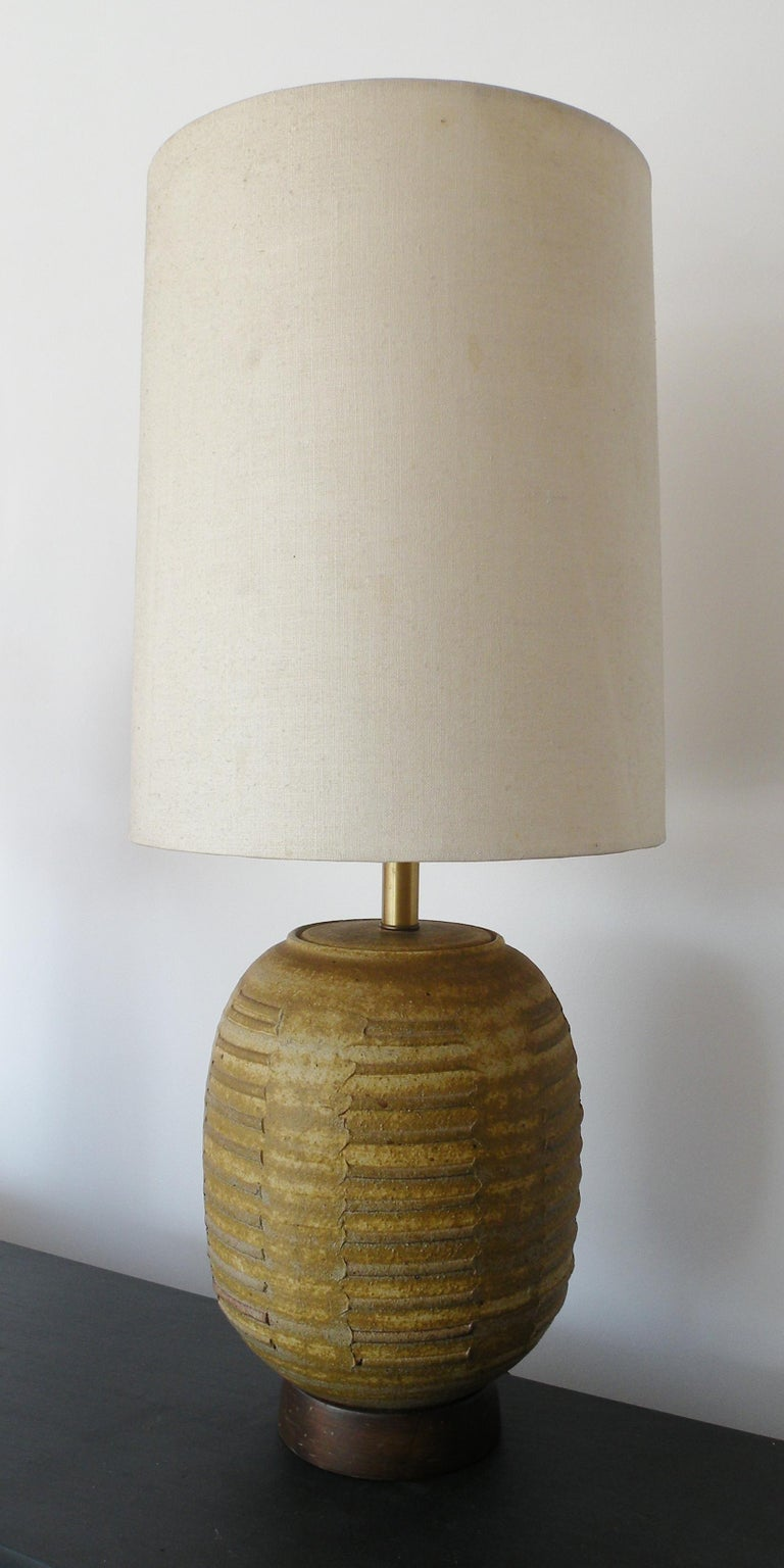 Bob Kinzie Affiliated Craftsmen California Studio Pottery Table Lamp In Good Condition For Sale In Denver, CO