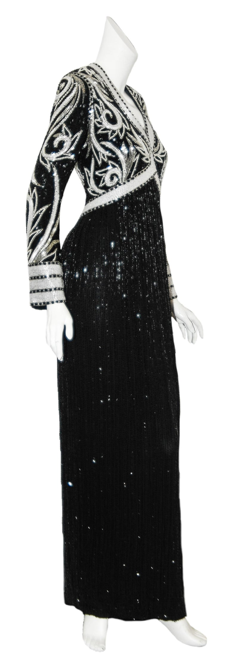Bob Mackie Black & White Fully Beaded Gown In Excellent Condition For Sale In Palm Beach, FL
