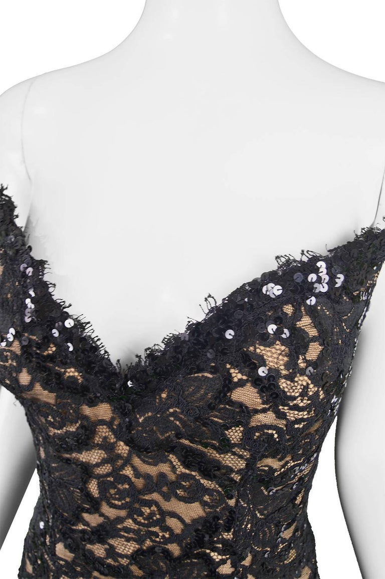 Women's Bob Mackie Vintage 1990s Sequinned Nude & Black Lace Pointed Bodice Evening Gown For Sale