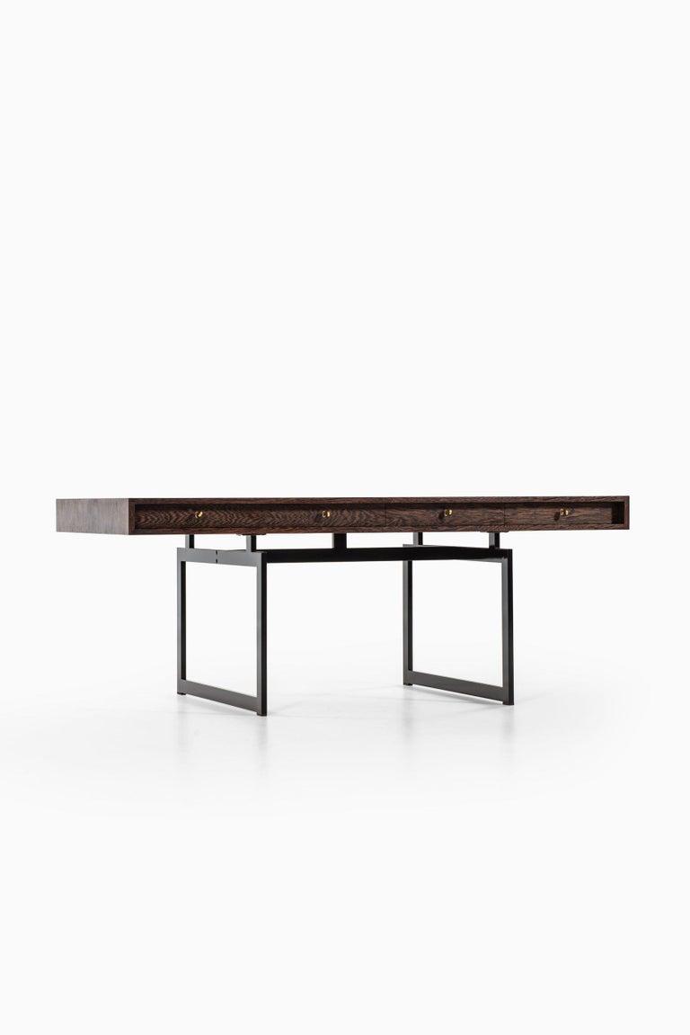 Bodil Kjær Desk Model 901 Produced by E. Pedersen & Søn in Denmark In Good Condition For Sale In Malmo, SE