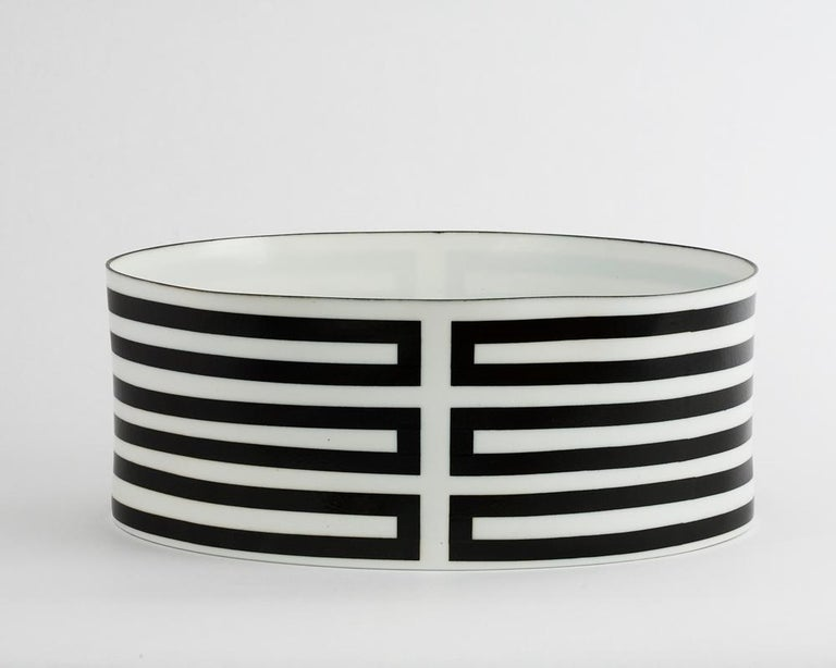 Ceramic Vessel - Sculpture by Bodil Manz