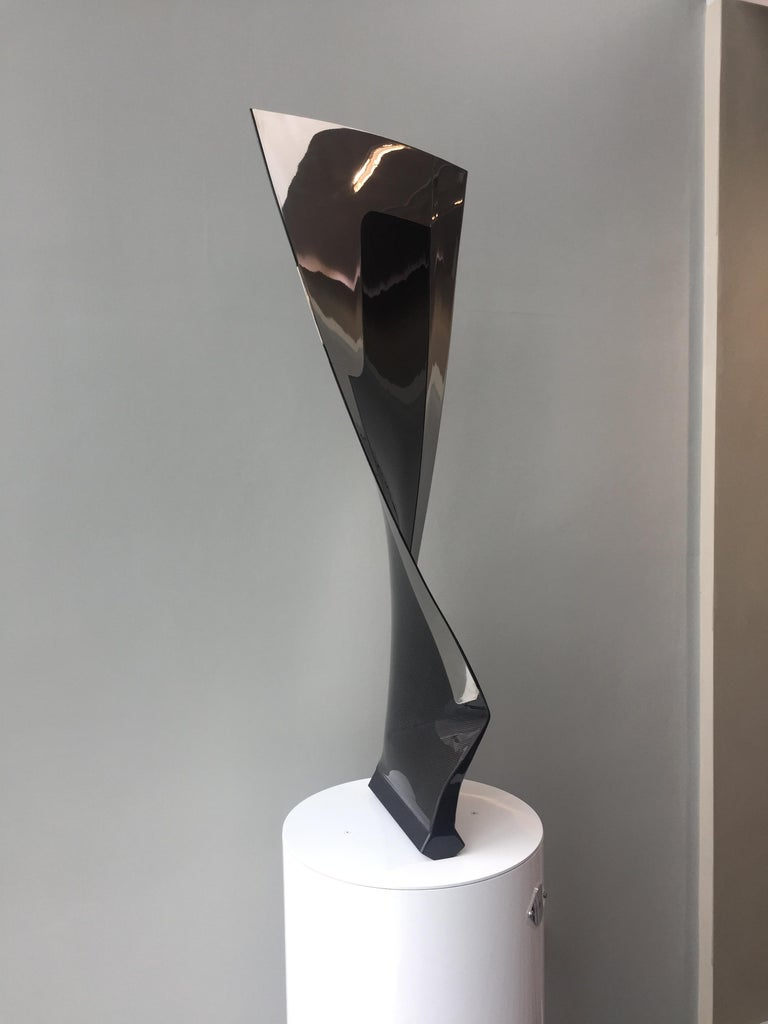 Boeing 777-200 Fan Blade Sculpture In Excellent Condition For Sale In Luton, GB