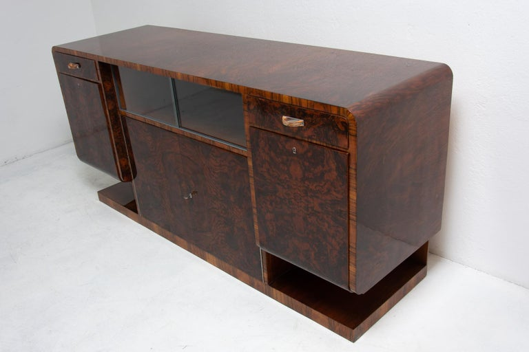 Bohemian Art Deco Walnut Veneer Sideboard or Buffet, 1930s In Excellent Condition For Sale In Prague 8, CZ