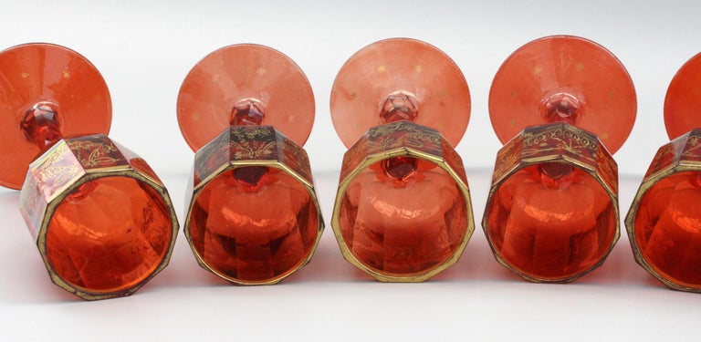 Bohemian Rare Set Eight Ruby Gilded and Facet Cut Georgian Wine Glasses In Good Condition For Sale In Bishop's Stortford, Hertfordshire