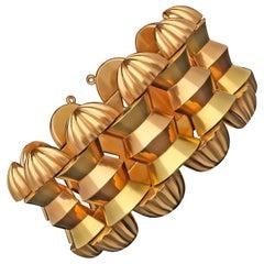 Bold Retro Stylish Two-Tone Rose and Yellow 18 Carat Gold Bracelet, circa 1940s