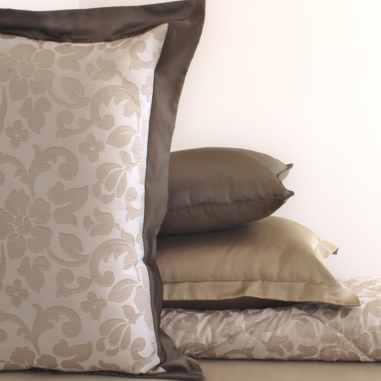Bologna King Size Bedding Set In New Condition For Sale In Milan, IT