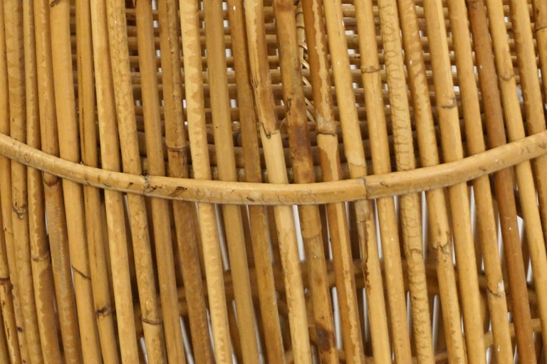 1950s Italian Vintage Mid-Century Modern Natural Rattan Cylindrical Bar Trolley For Sale 3