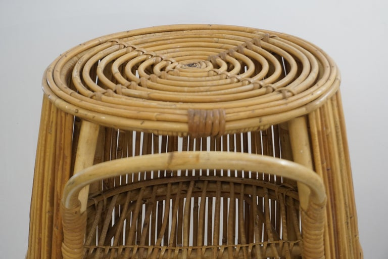 1950s Italian Vintage Mid-Century Modern Natural Rattan Cylindrical Bar Trolley For Sale 6