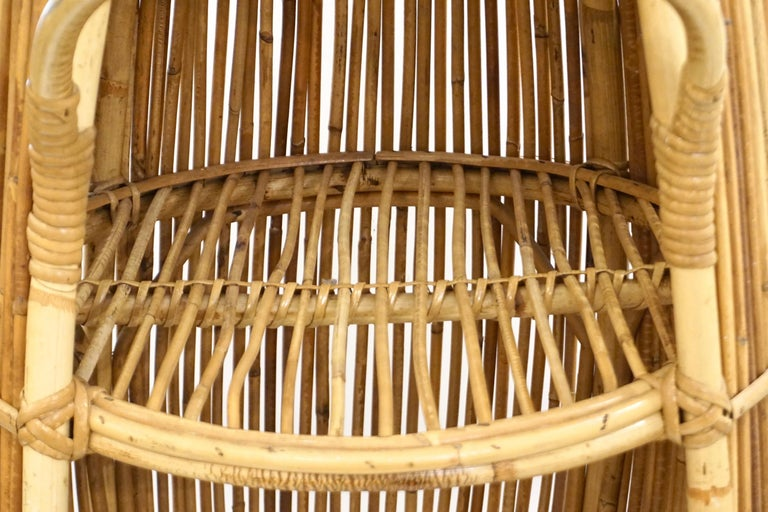 20th Century 1950s Italian Vintage Mid-Century Modern Natural Rattan Cylindrical Bar Trolley For Sale