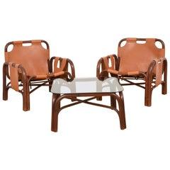 Bonacina Set aus Zwei Italienischen Sesseln und Tisch Bambus und Leder, Italien, 1960er