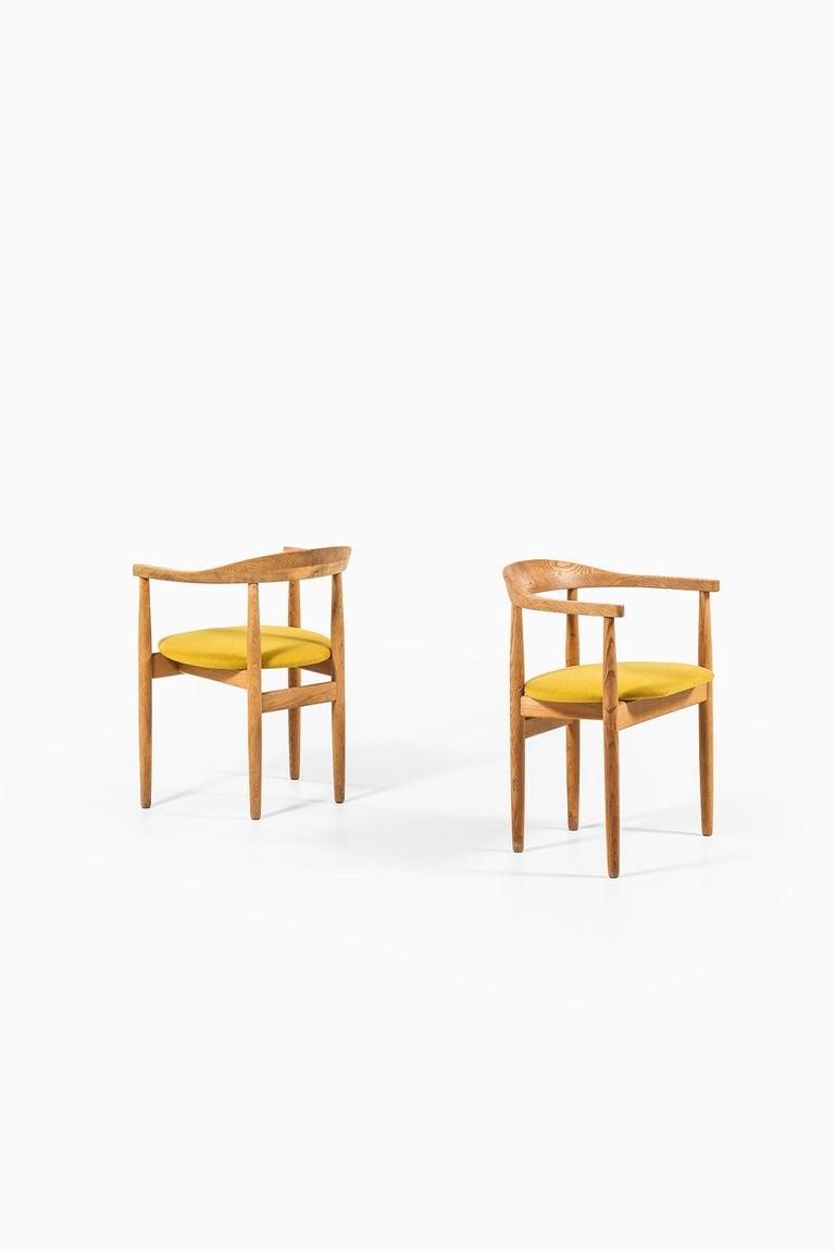 Bondo Gravesen Armchairs in Oak by Bondo Gravesen in Denmark In Excellent Condition For Sale In Malmo, SE