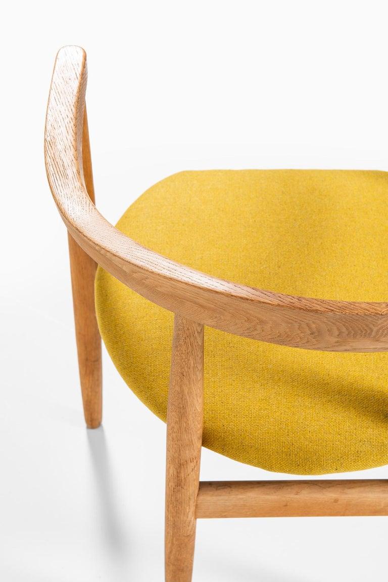 Mid-20th Century Bondo Gravesen Armchairs in Oak by Bondo Gravesen in Denmark For Sale