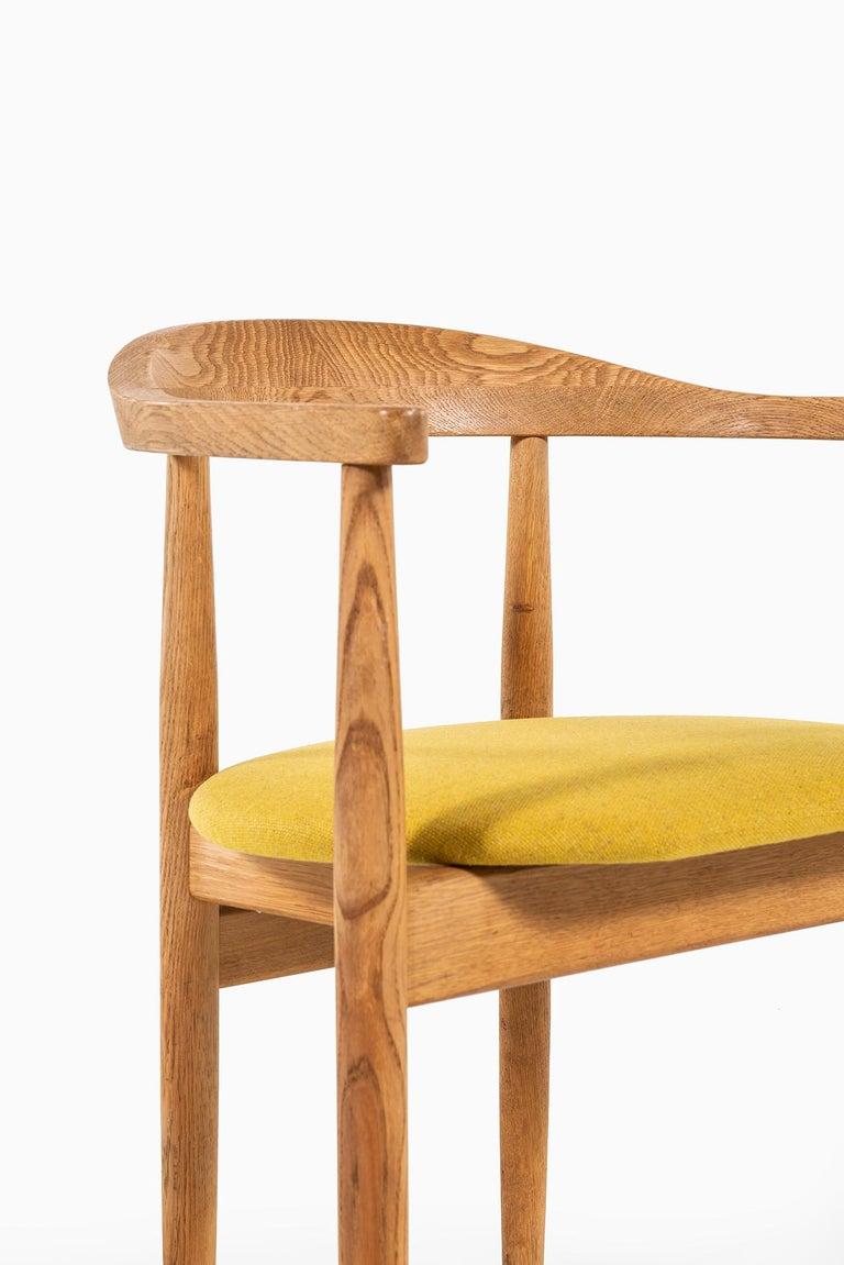 Bondo Gravesen Armchairs in Oak by Bondo Gravesen in Denmark For Sale 2