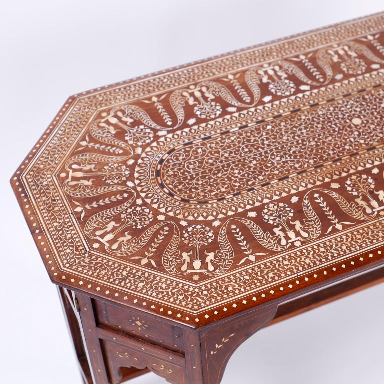 Bone Inlaid Anglo Indian Coffee Table In Good Condition For Sale In Palm Beach, FL