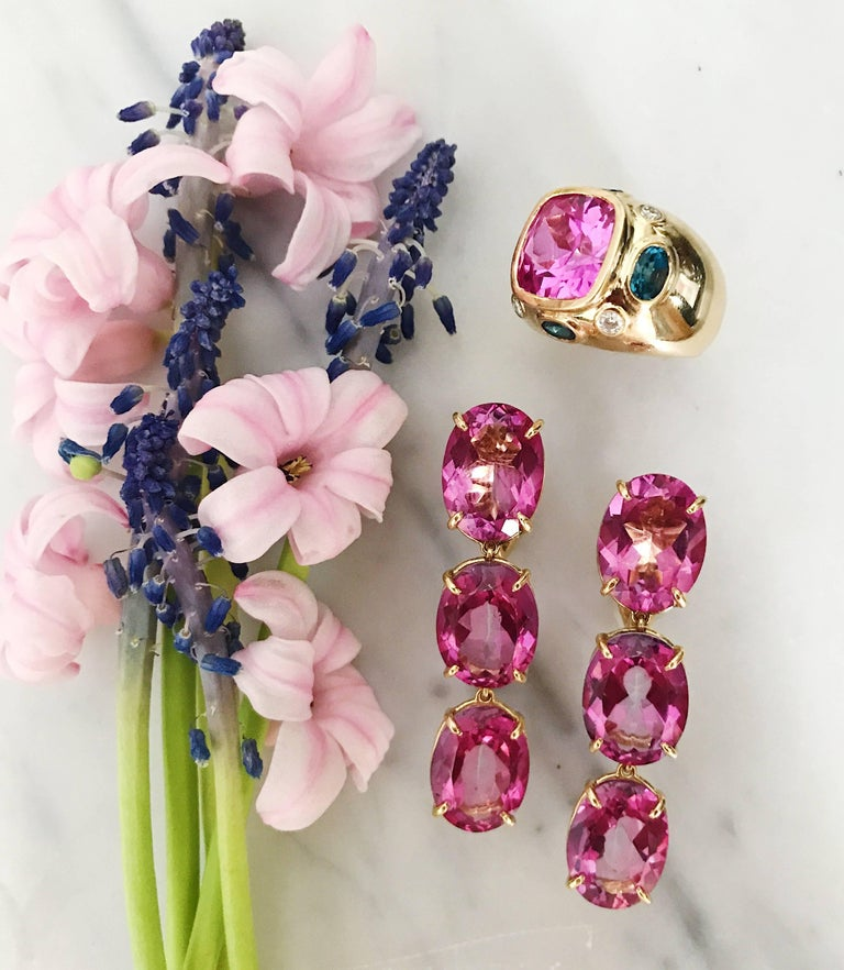 Bonheur Ring, Pink Topaz and Blue Topaz and Diamond Yellow Gold Domed Ring In New Condition For Sale In New York, NY