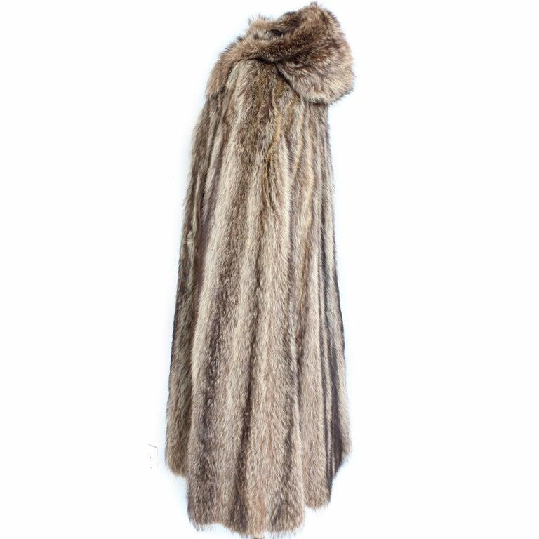 Bonnie Cashin Cape with Hood HBA Furs Raccoon 70s OSFM In Good Condition For Sale In Port Saint Lucie, FL