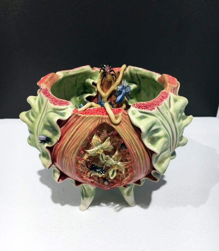 Bonnie Seeman grew up in Miami, Florida with a propensity towards anatomy illustration and the dazzling colors and rich foliage of the Miami landscape.  Developing her technique with porcelain and glass, Seeman channeled her inspirations; resulting