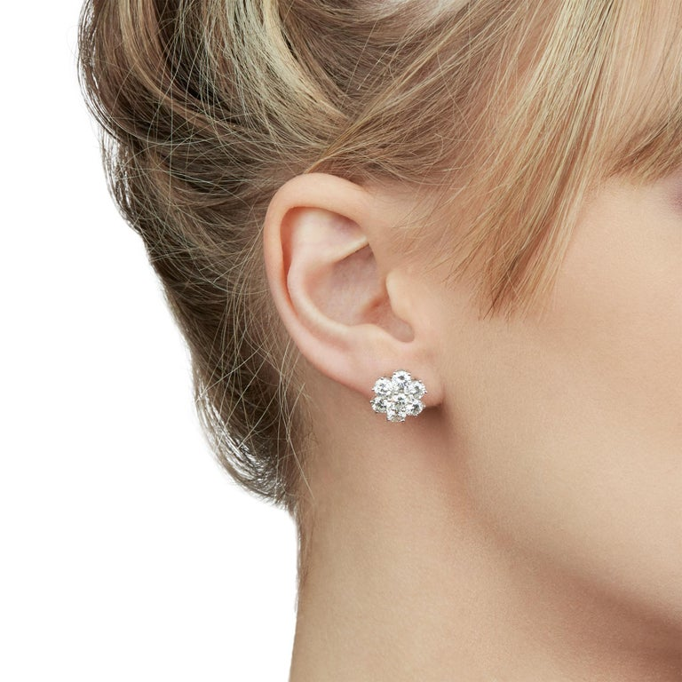 These Earrings by Boodles feature 14 round brilliant cut Diamonds of 4.20ct total colour G, clarity SI, made in 18k White Gold. These Earrings are suitable for pierced ears and have friction backs. Complete with Xupes Presentation Box.