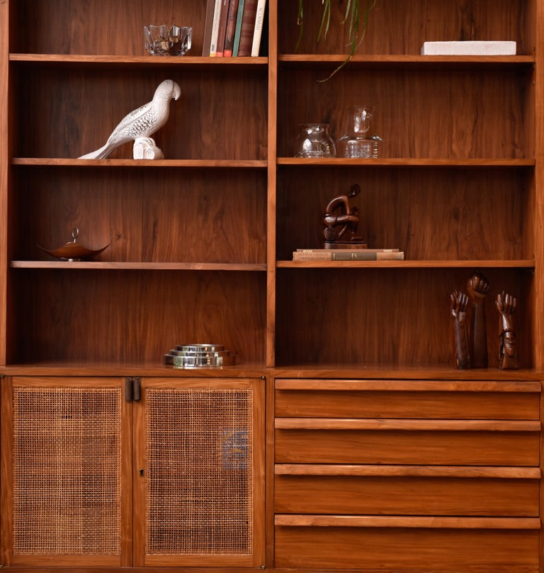 Bookcase by Teperman 50's In Good Condition For Sale In Sao Paulo, SP