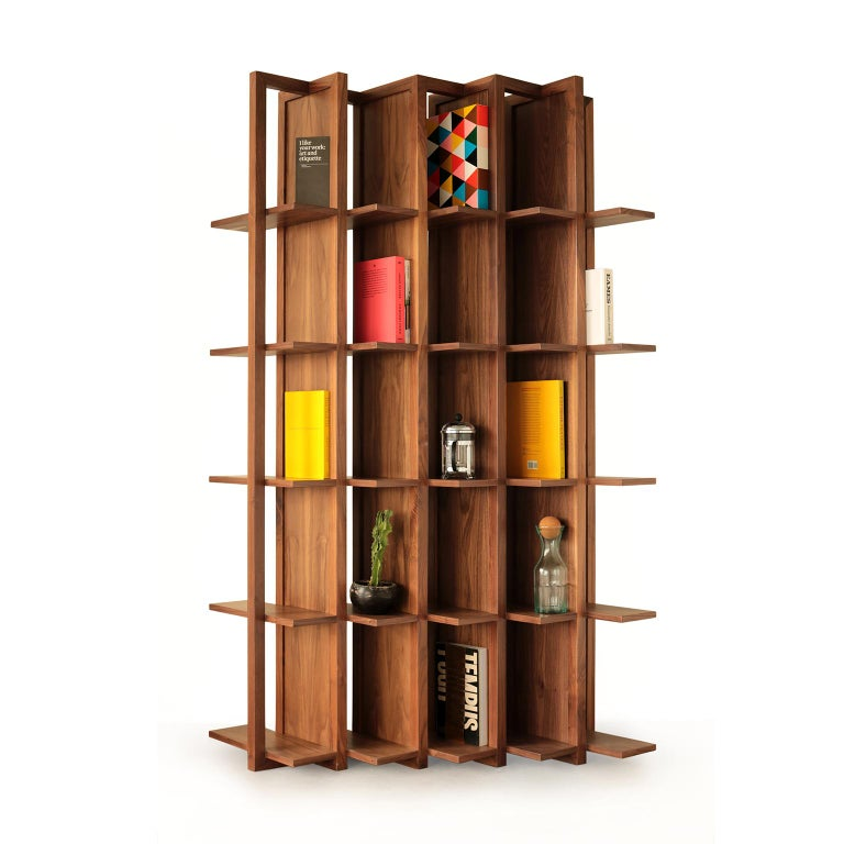 Transversal is a bookcase and space divider, created in solid wood and natural veneer boards. It is the result of the collaboration between FOAM design studio and Breuer carpenters, a Mexican company with years of experience in the manufacture of