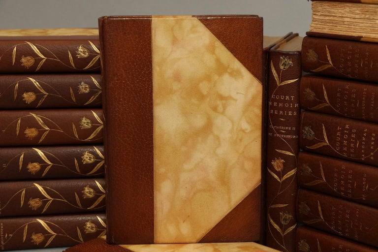Books, Anonymous Court Memoirs In Good Condition For Sale In New York, NY