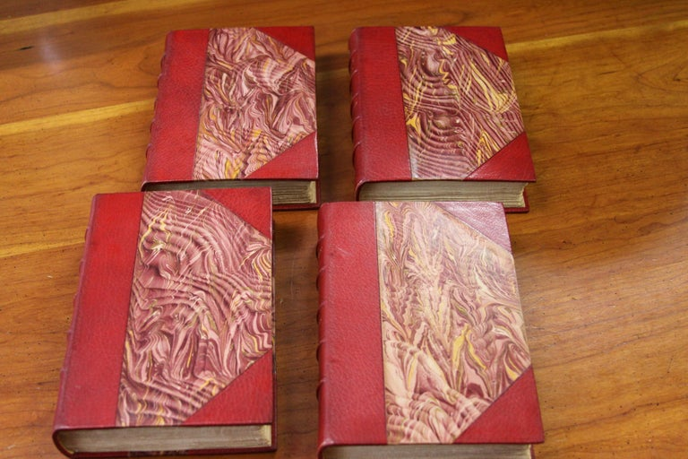 Books. Leather Bound  Antiques Collection. The Writings of Charles Dickens In Good Condition For Sale In New York, NY