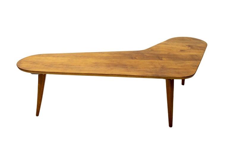 Beautiful organic boomerang shaped Dutch coffee table. Manufactured by Meubelfabriek Bovenkamp Holland 1950s tapered legs. Nice and elegant coffee table. Elmwood.